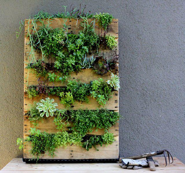 Make A Vertical Pallet Planter To Create An Adorable Indoor Garden Easily And Inexpensively Theyll Provide Enough Space For Growing Herbs Succulents